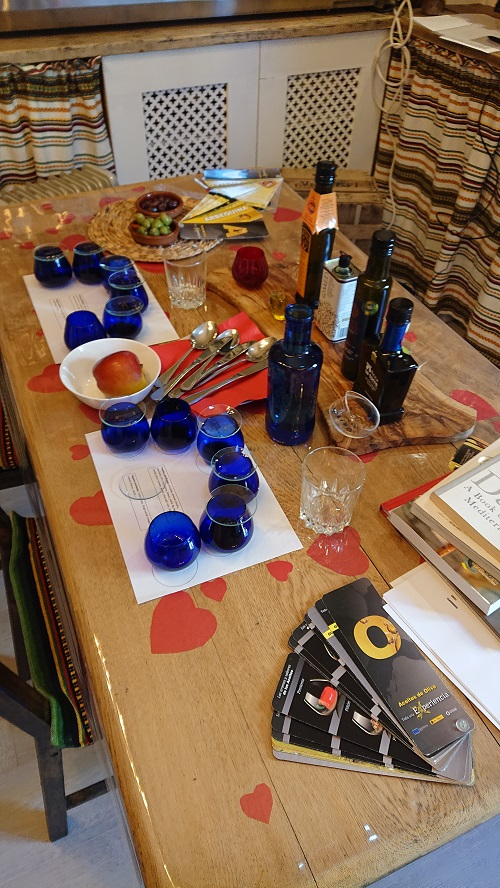 Olive-Oil-tasting-session-london